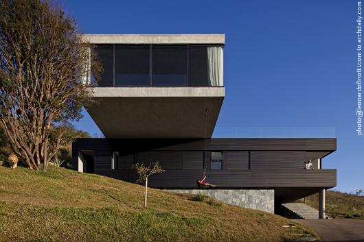 Casa EG / Play - Marcelo Alvarenga, © Leonardo Finotti