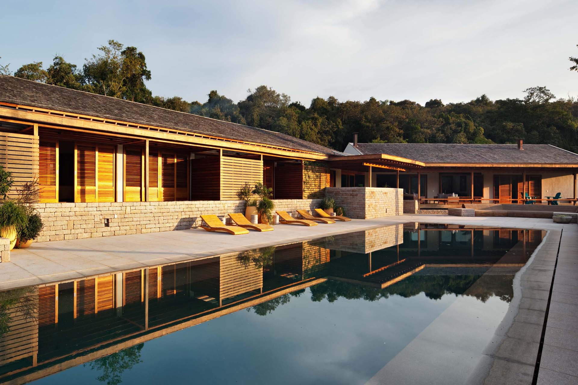 Casa quinta da baronesa gui paoliello arquiteto for Plano de casa quinta moderna