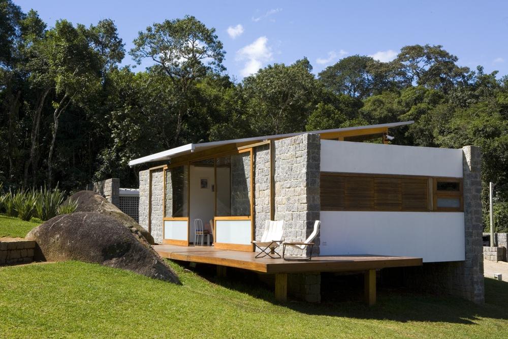 Galeria de casa grelha fgmf 21 for Casas minimalistas en argentina