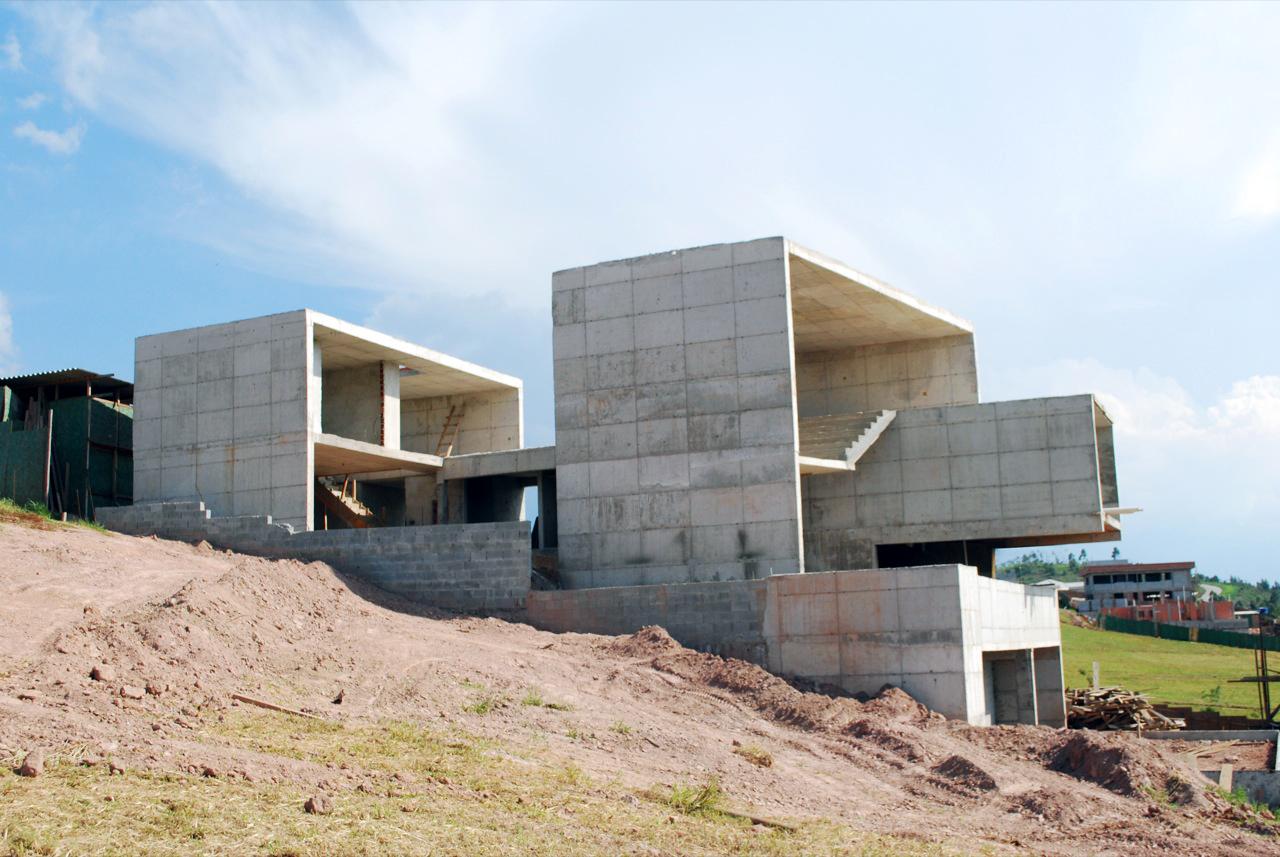 Galeria de Em Construu00e7u00e3o: Residu00eancia Itahye / Apiacu00e1s Arquitetos ...