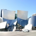 Disney Concert Hall - Foto vía Flickr @squakytoy