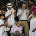 Oscar Niemeyer na inauguraçao do seu projeto finalizado © EL Clarin