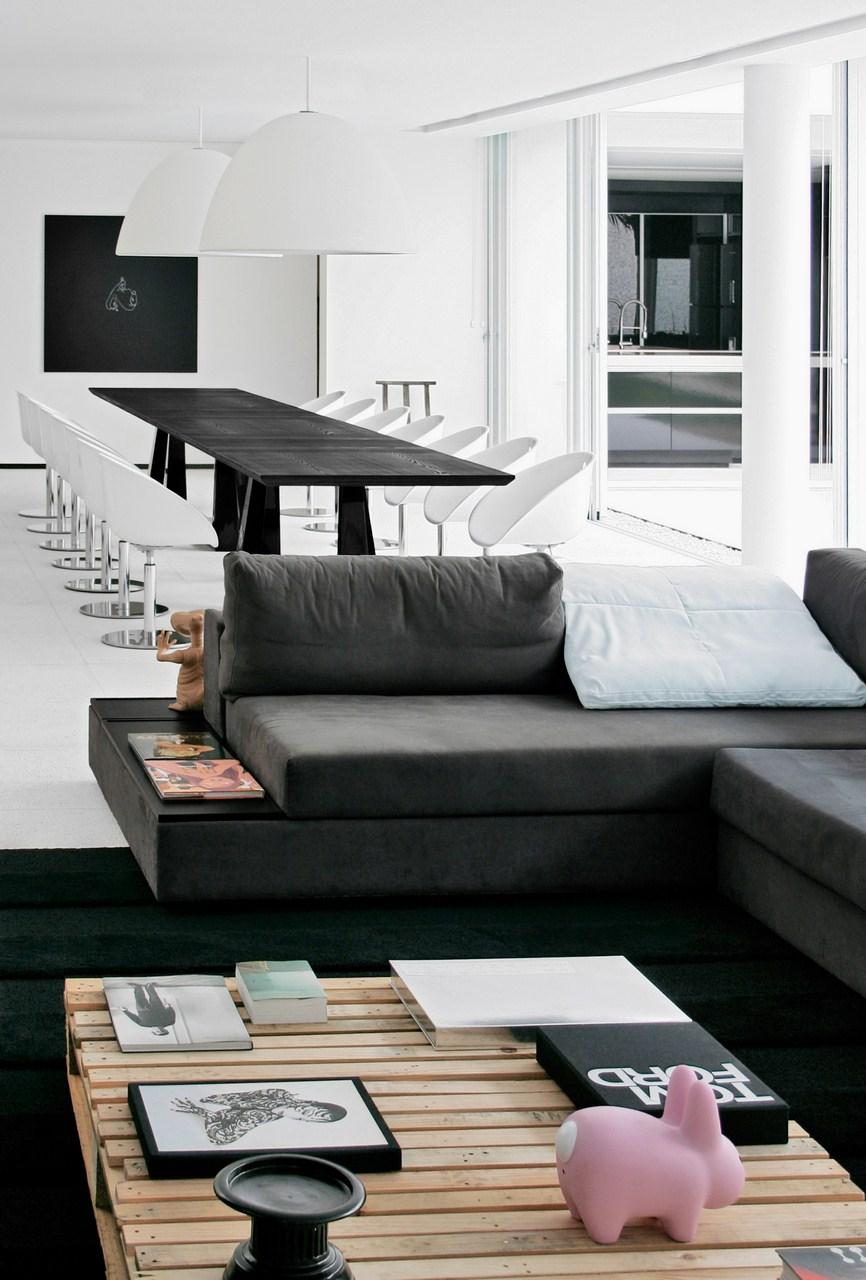 Galeria de casa af studio guilherme torres 8 - Home interior design books ...