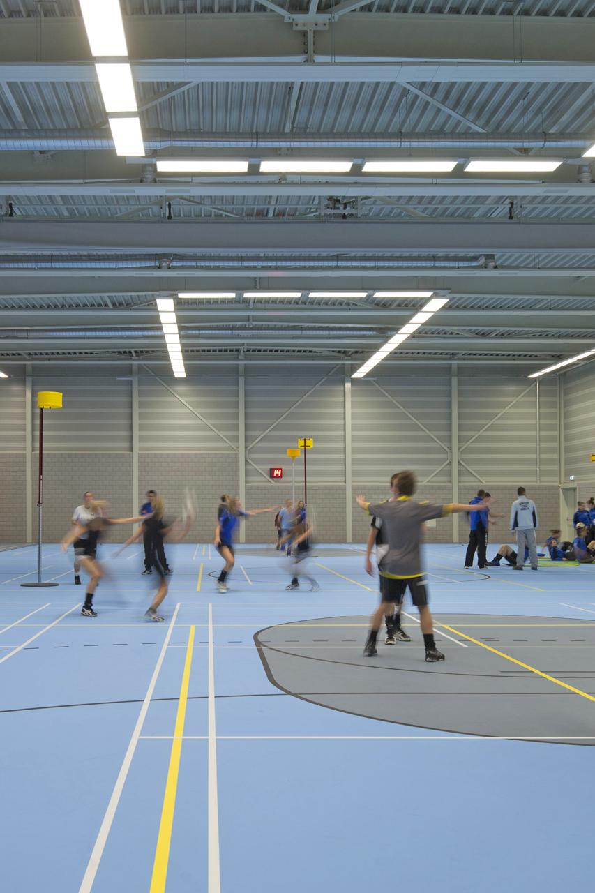Pavilhão Esportivo Verde / MoederscheimMoonen Architects