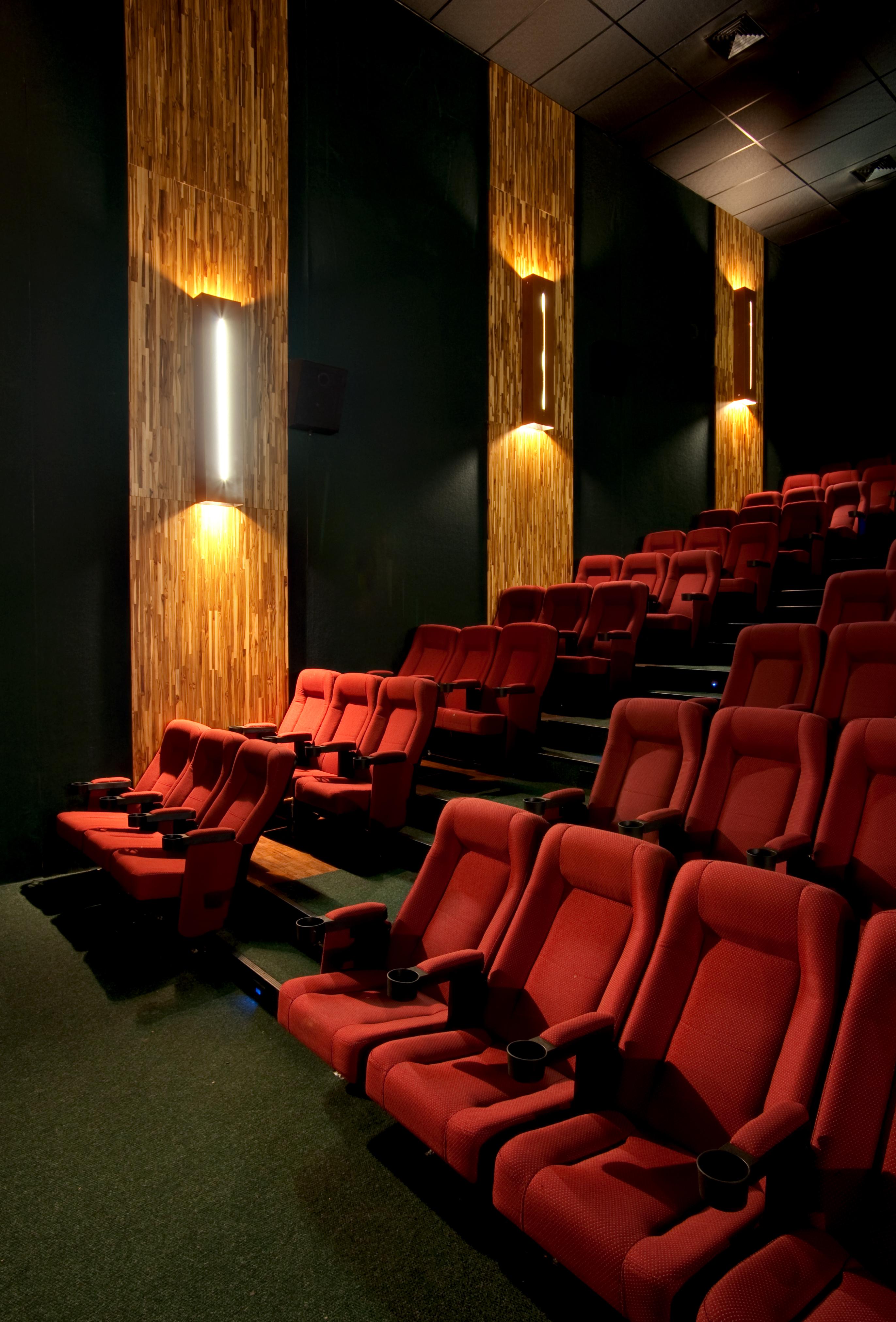 galeria de cinema lumiere bougainville dayala rafael. Black Bedroom Furniture Sets. Home Design Ideas