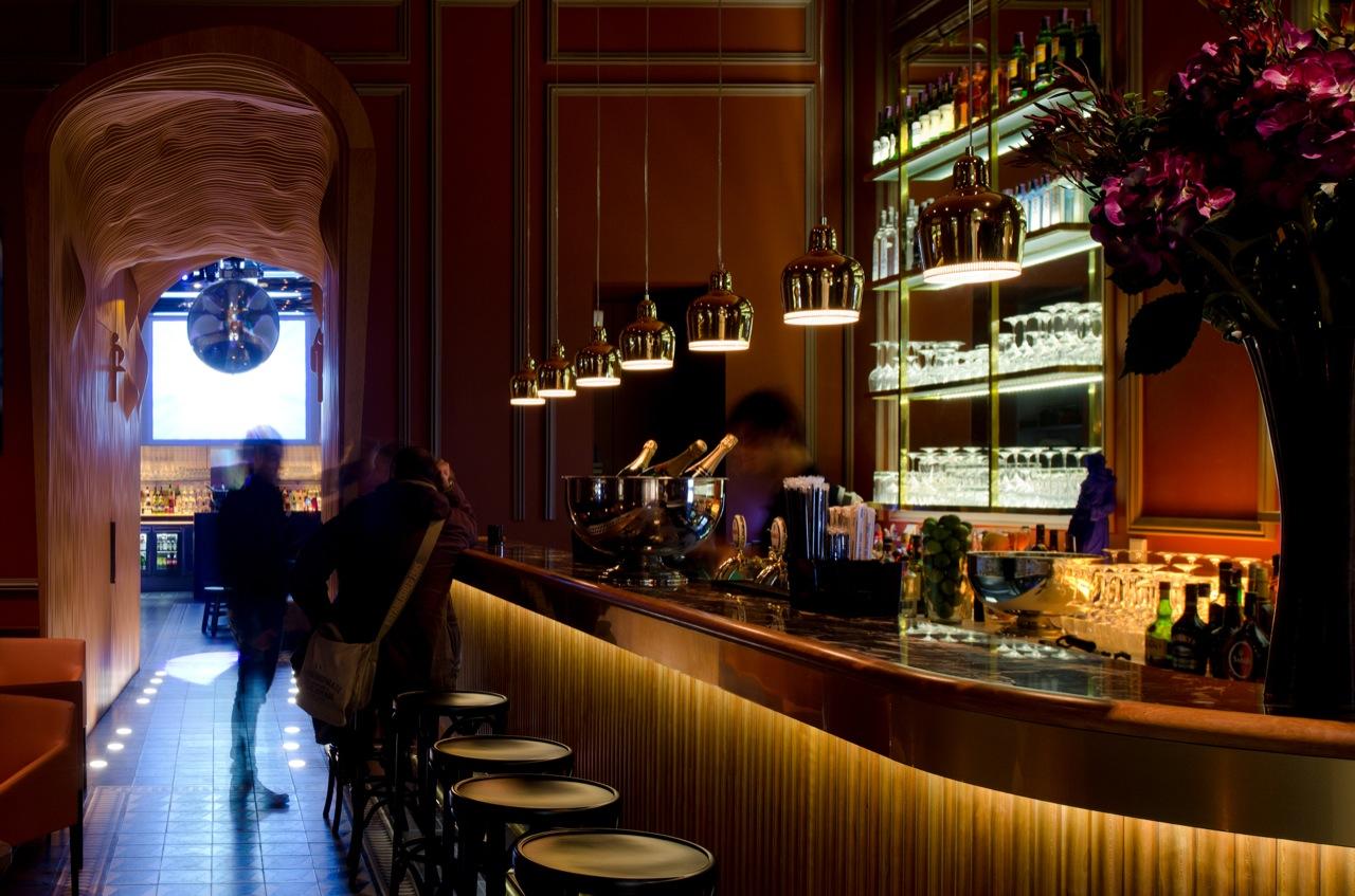 Сосут на баре 1 фотография