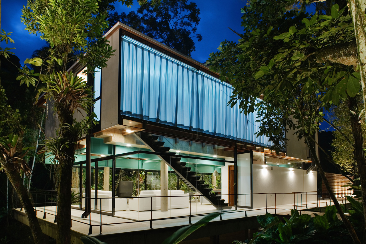 Resid ncia em iporanga nitsche arquitetos associados - Maison design foret kube architecture ...