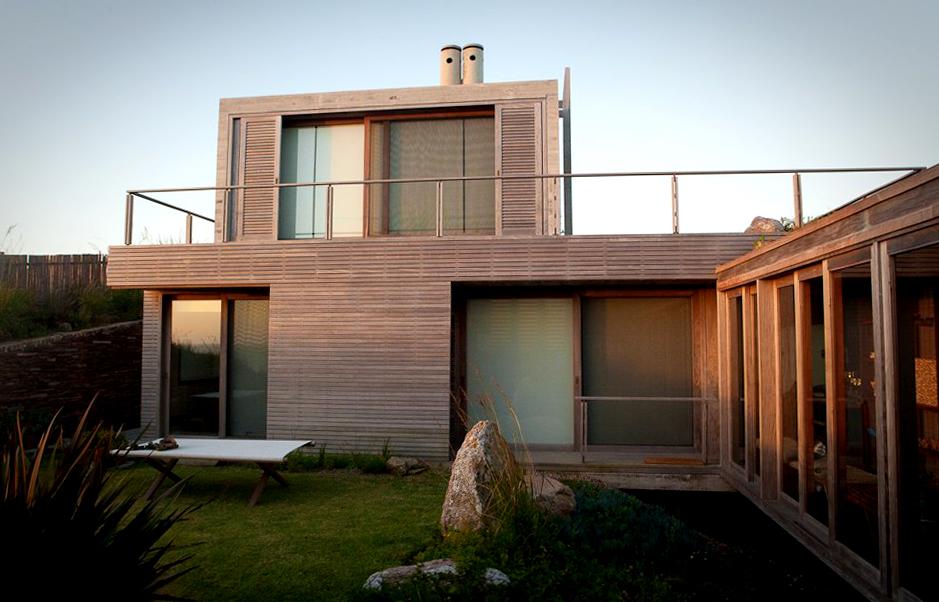 """""""La roca creada por el arquitecto chileno Mathias Klotz cruza la arquitectura con el paisaje preexistente."""" La Roca La Roca, un refugio de lujo 1337718093 1281032166 klotz1"""