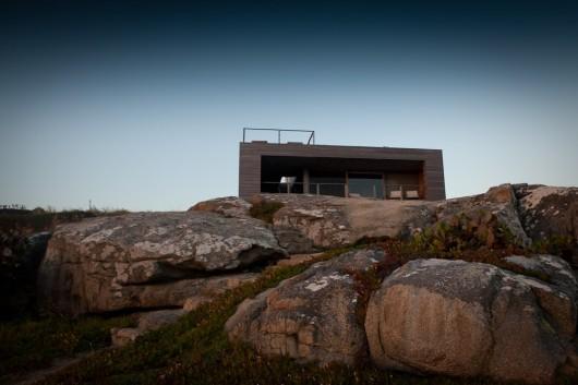 """""""La roca creada por el arquitecto chileno Mathias Klotz cruza la arquitectura con el paisaje preexistente."""" La Roca La Roca, un refugio de lujo 1337718097 1281032170 klotz2"""