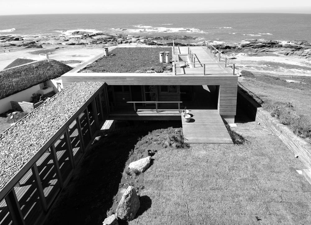 Galeria de casa la roca mathias klotz 12 for Modelos de techos para galerias
