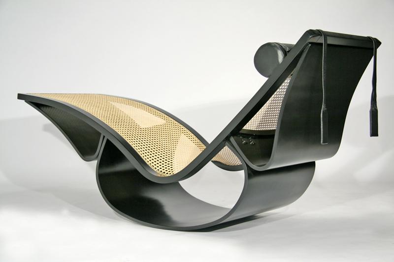 Fesselnd Desenhada Em 1978 Por Oscar Niemeyer Em Colaboração Com Sua Filha Anna  Maria Niemeyer, A Chaise Longue Rio é Uma Mostra De Sua Fascinação Pelas  Foru2026