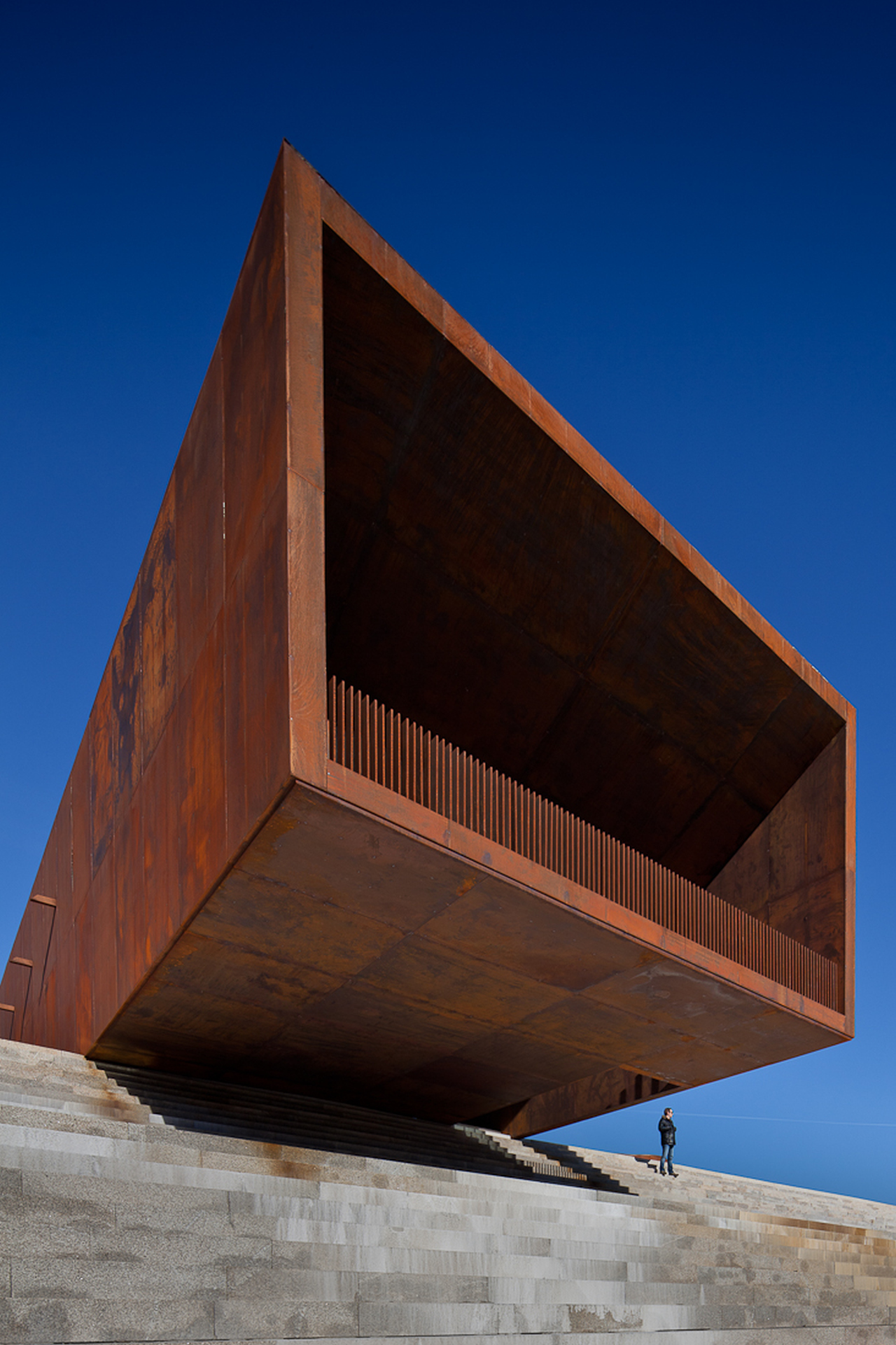 aco corten tag archdaily brasil. Black Bedroom Furniture Sets. Home Design Ideas