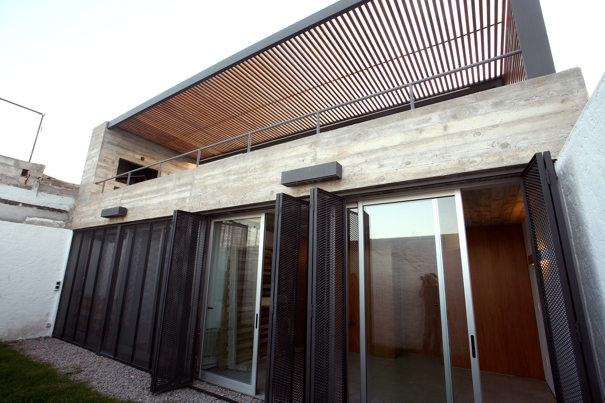 Galeria de cubierta verde cardoso z iga 6 for Cubiertas minimalistas