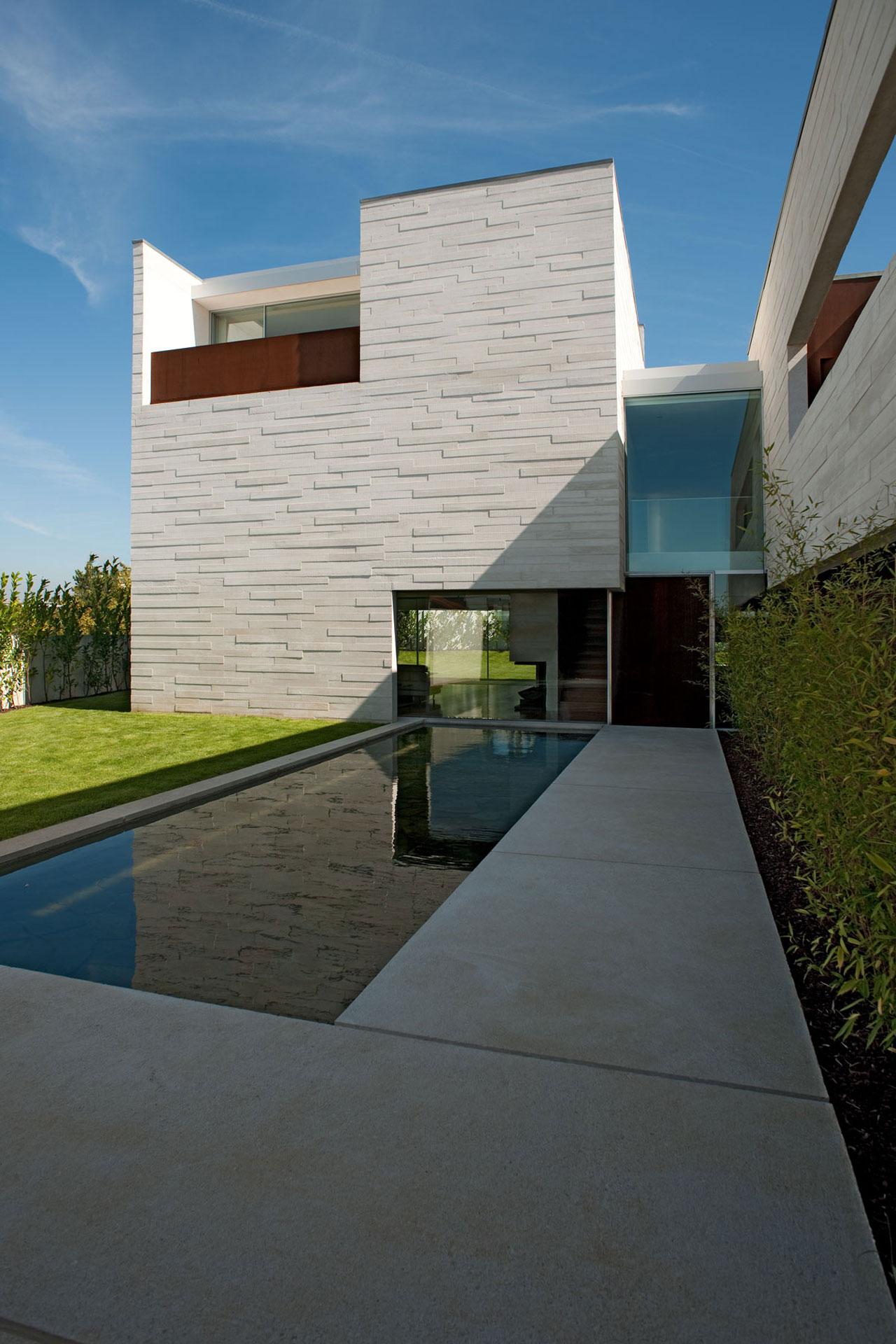 casa em aldoar topos atelier de arquitectura archdaily