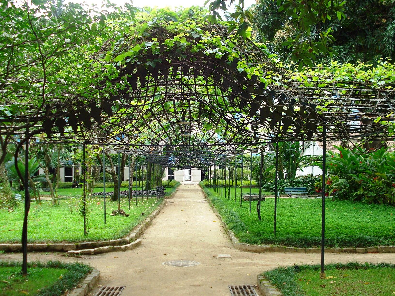 banco de jardim poesia: para Revitalização e Restauração do Jardim Histórico, Imagem Via