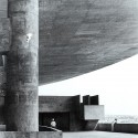 Estádio Serra Dourada – Cortesia de Grafton Architects
