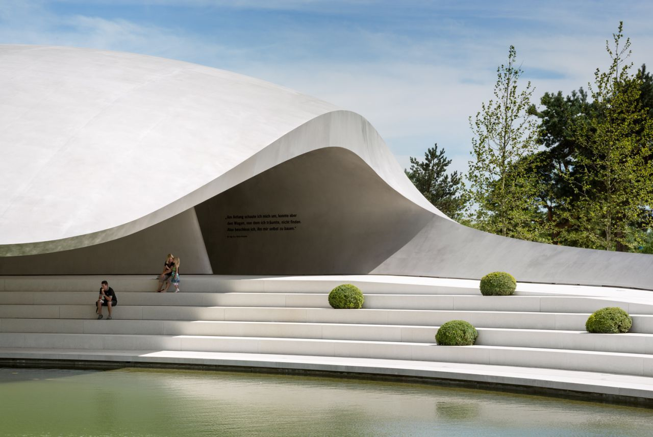 Pavilhão Porsche na Autostadt em Wolfsburg / Henn Architekten