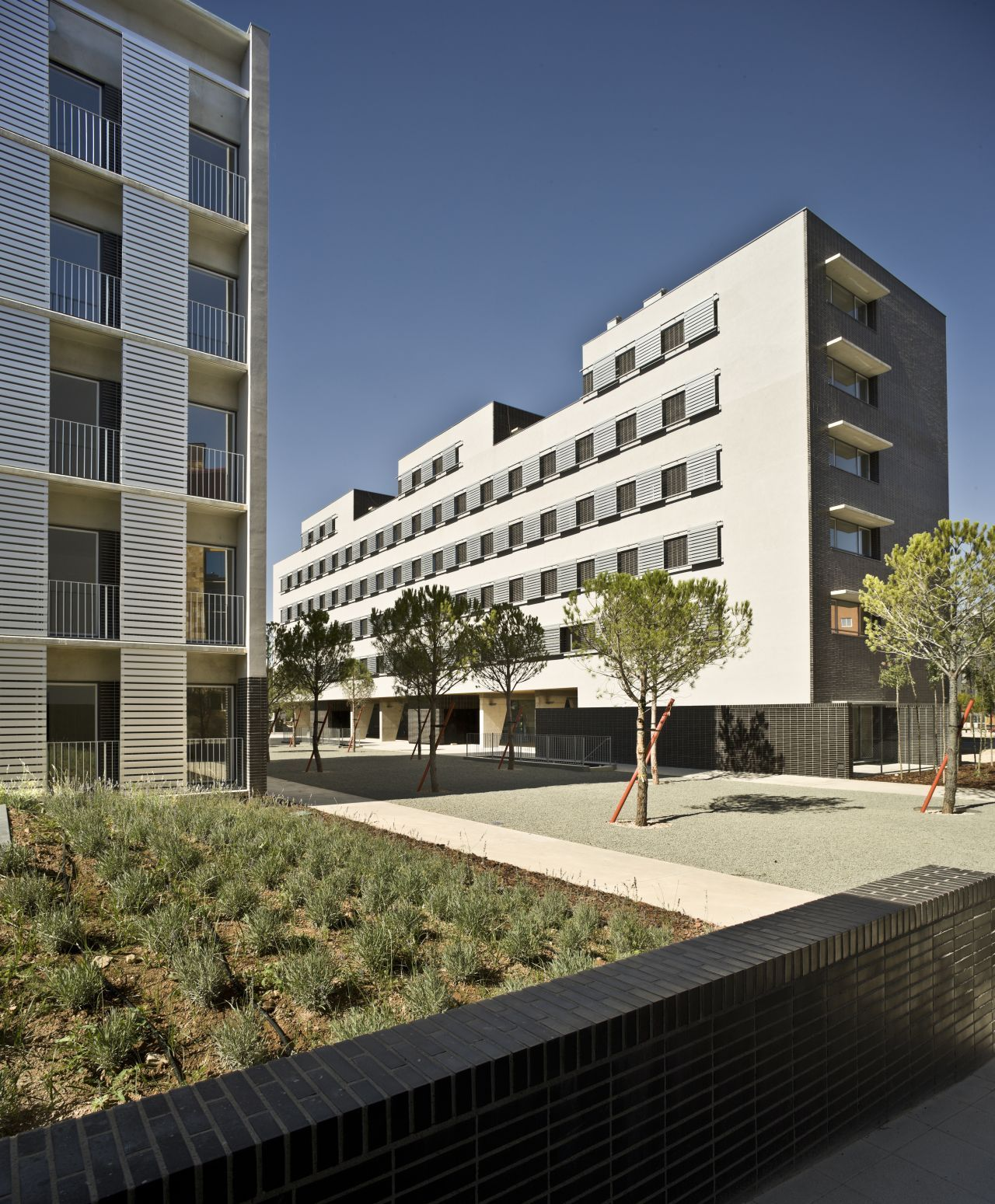 Conjunto habitacional em albacete burgos garrido arquitectos archdaily brasil - Arquitectos albacete ...