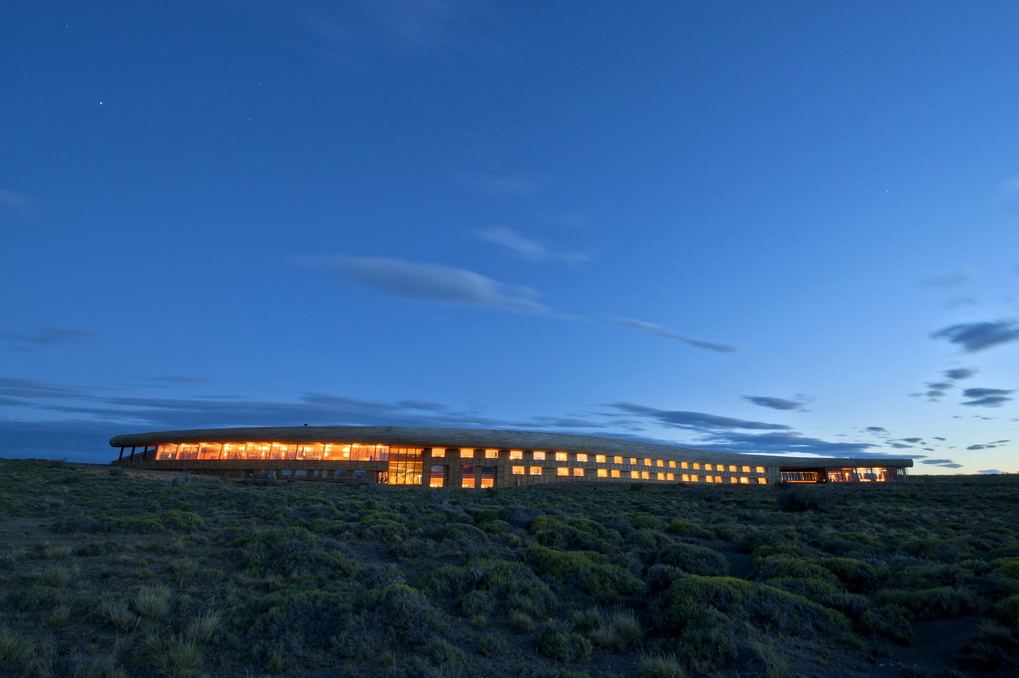 Hotel Tierra Patagonia / Cazú Zegers, © Cortesía de Cazú Zegers Arquitectura