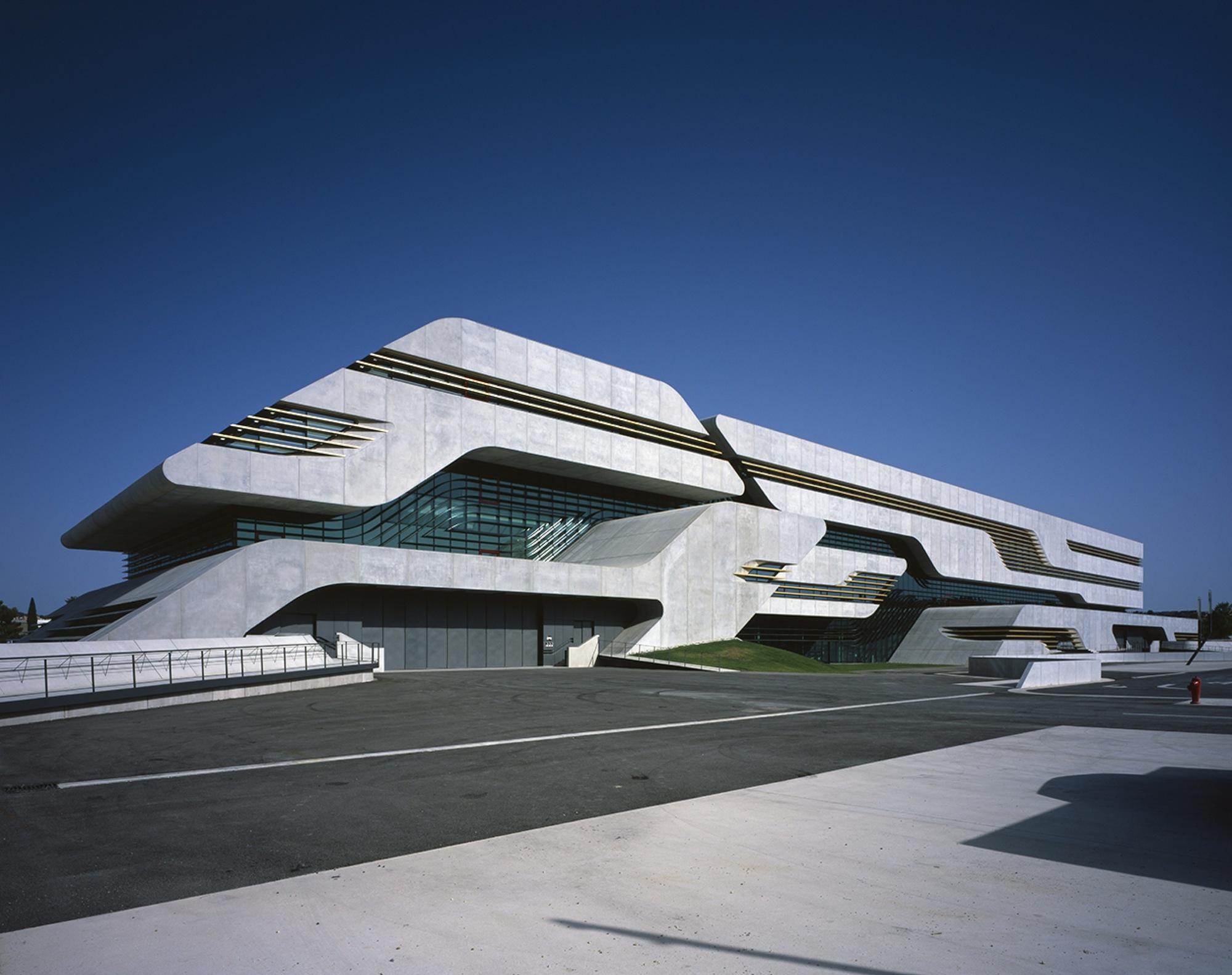 Zaha hadid archdaily brasil for Architecte hadid zaha