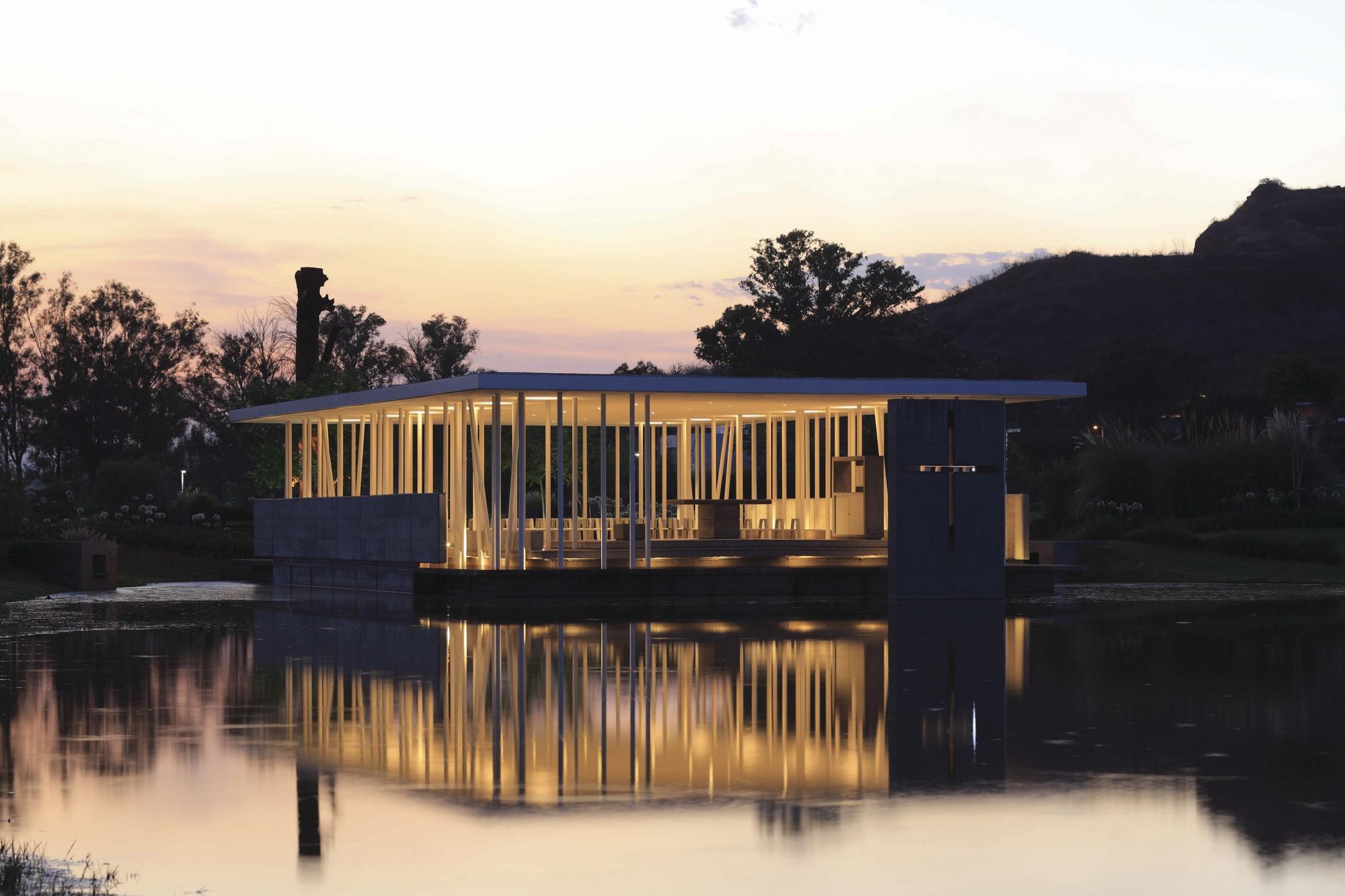 Galeria de capela do lago divece arquitectos 2 - Arquitectos en zamora ...