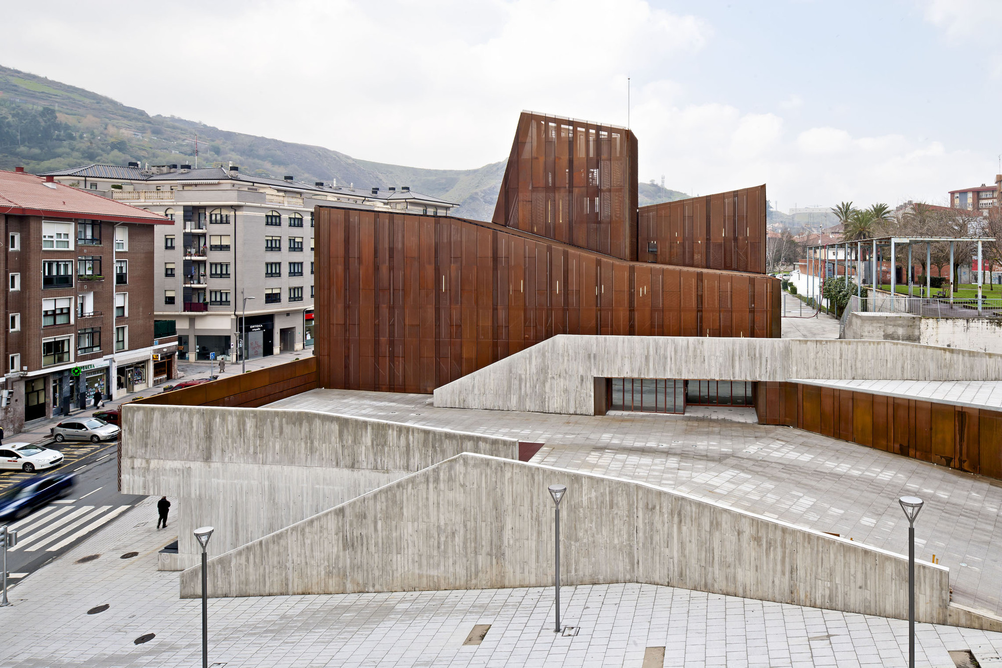 Aco corten tag archdaily brasil for Archdaily com