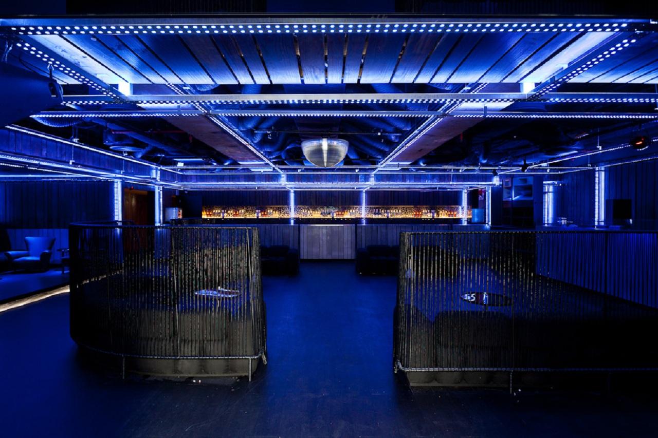 Disco Club / Estudio Guto Requena & Maurício Arruda Arquitetos + Designers, © Fran Parente