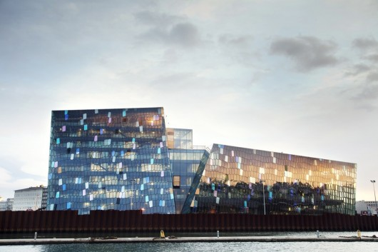 Vencedor / Harpa Concert Hall and Conference Centre / Cortesia de Henning Larsen Architects